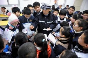 教育部:中小学校每月至少要开展一次应急疏散演练